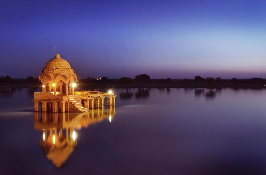gadi-sagar-lake-jaisalmer-kartik-jasti-photography